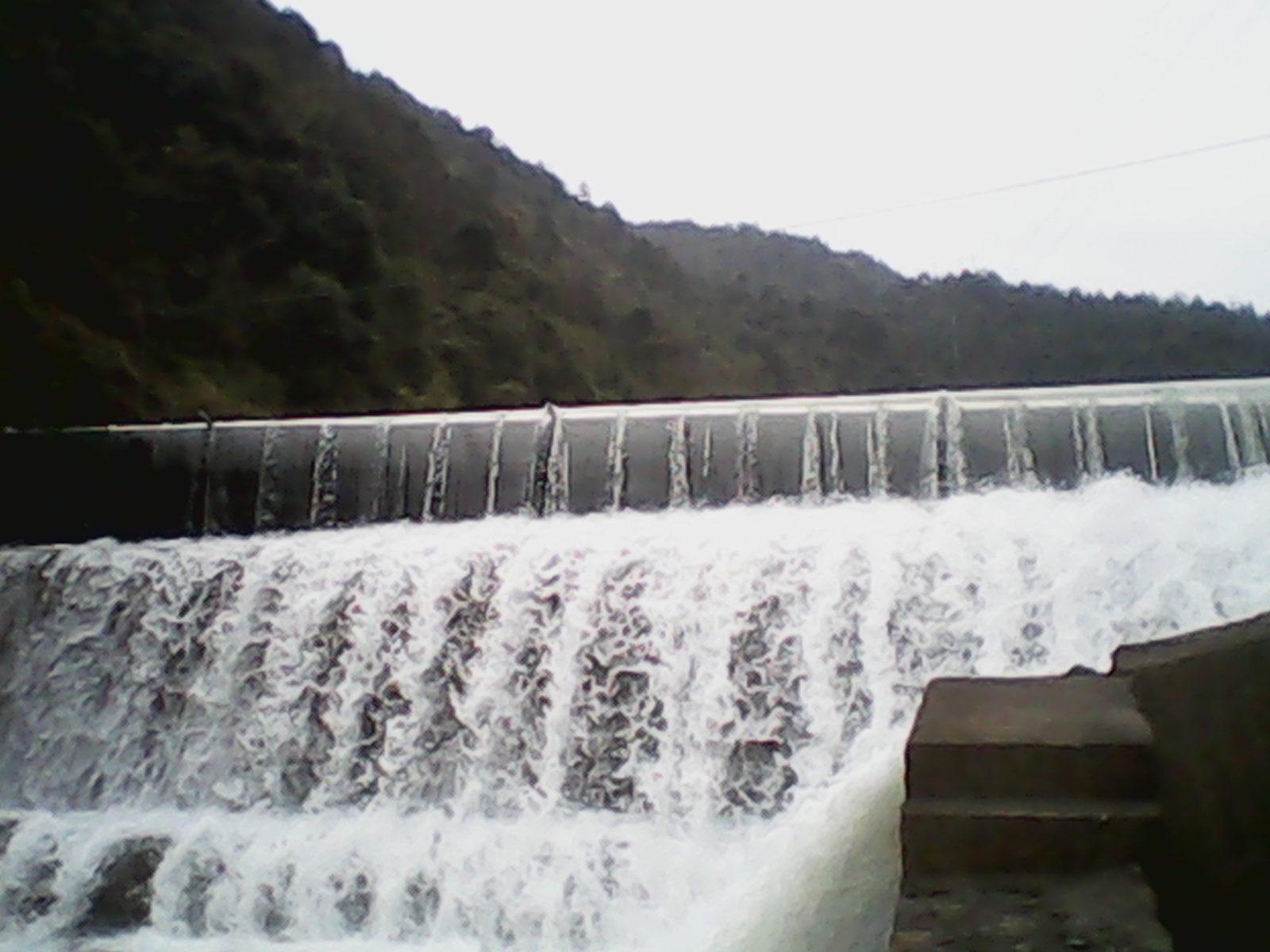 水库橡胶坝